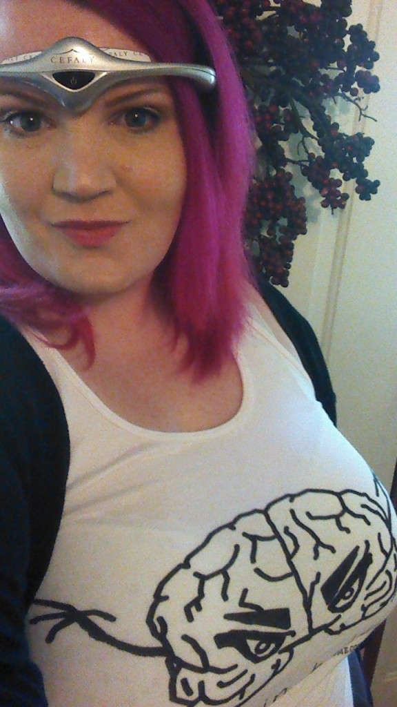My Brain Hates Me wearing MONSTER BRAIN tank and Cefaly